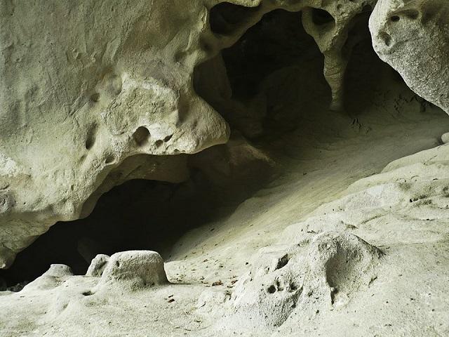 grottoes of rocca d'Olgisio