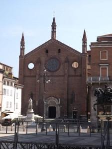 Piacenza San Francesco facciata